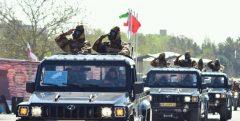 برگزاری رژه خدمت نیروهای ارتش در اهواز/ آغاز عملیات ضدعفونی معابر شهری