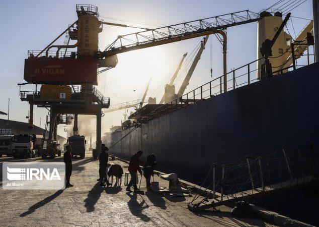 تردد خدمه دریانوردان خارجی به خرمشهر ممنوع شد