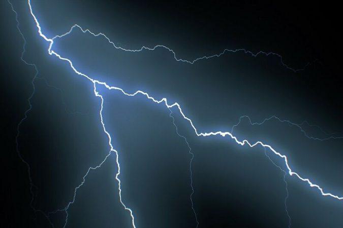 هشدار هواشناسی خوزستان نسبت به سیلابی شدن مسیلها و صاعقه