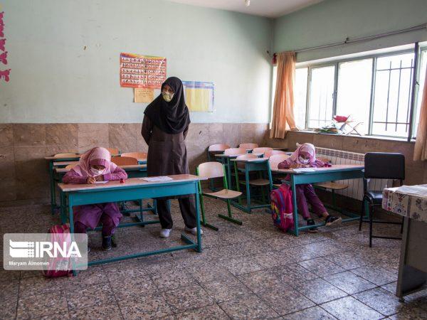منطقه آزاد اروند تامین تجهیزات مدارس آبادان، خرمشهر و اروندکنار را برعهده گرفت
