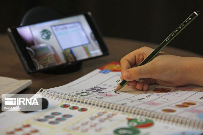 اهدای هشت هزار تبلت دانشآموزی با همکاری کمیته امداد و خیران درخوزستان