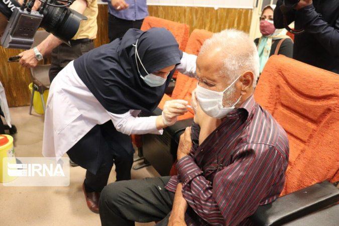 ۷۰ درصد سالمندان بالای ۶۵ سال اهوازی در مقابل کرونا واکسینه شدند