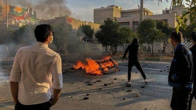 حالِ مردم خوب نیست؛ اعتراضات آبان با مردم ایران چه کرد؟