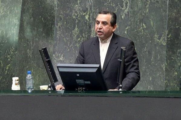 نماینده اهواز: ماسک و مواد ضدعفونی کننده در اهواز کمیاب است
