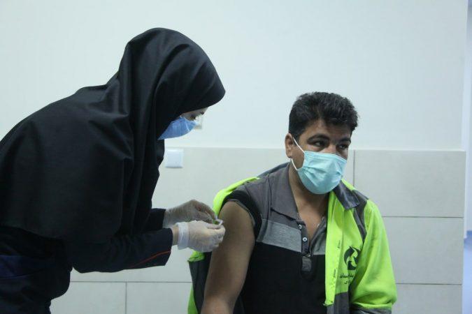 معاون وزیر بهداشت: تزریق واکسن ایرانی کرونا از خردادماه آغاز میشود