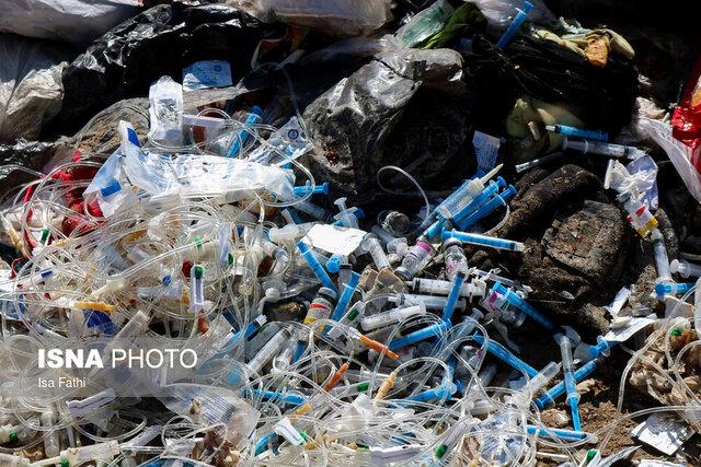 پیگیری تخلیه زبالههای عفونی بیمارستان سینا در مجاورت منازل مسکونی