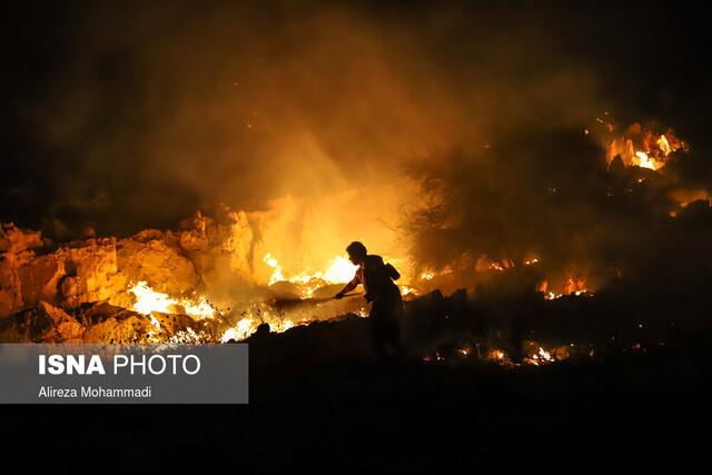 """ادامه آتشسوزی گسترده در سایت پسماند """"صفیره"""" اهواز"""