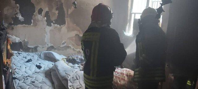 نجات ۳۰ نفر از ساکنان یک مجتمع مسکونی از میان آتش