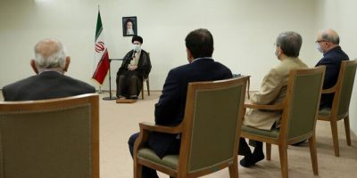 گلایه رهبر انقلاب از رعایتنشدن توصیههای متعدد قبلی درباره آب خوزستان و فاضلاب اهواز