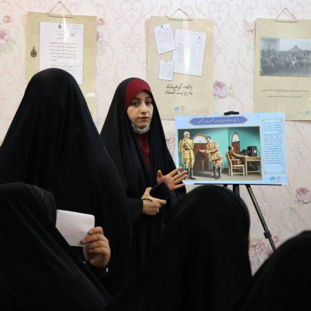 نمایشگاه قیام غریب به مناسبت هفته حجاب و عفاف برگزار شد